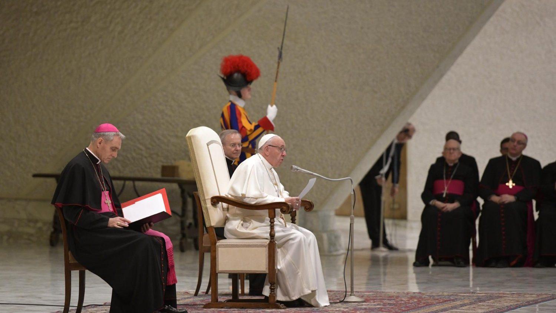 """""""¡ABBA!¡PADRE!! COMO UN NIÑO CON SU PADRE"""". Catequesis del Papa sobre la oración del Padre Nuestro"""