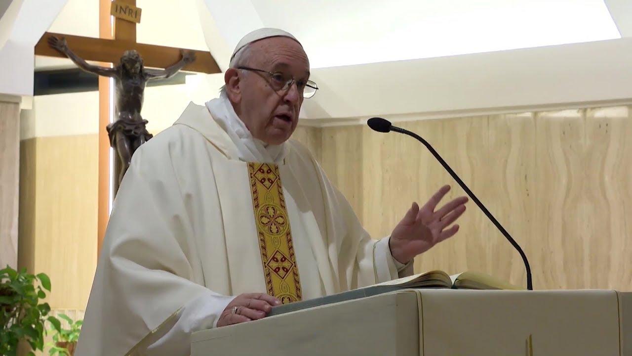 """""""LA PALABRA DE DIOS NO ES IDEOLOGIA, SINO VIDA QUE HACE CRECER"""" Homilia del Papa en Santa Marta"""